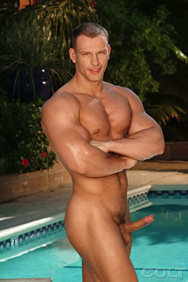Muscle men posing naked enjoy erotic